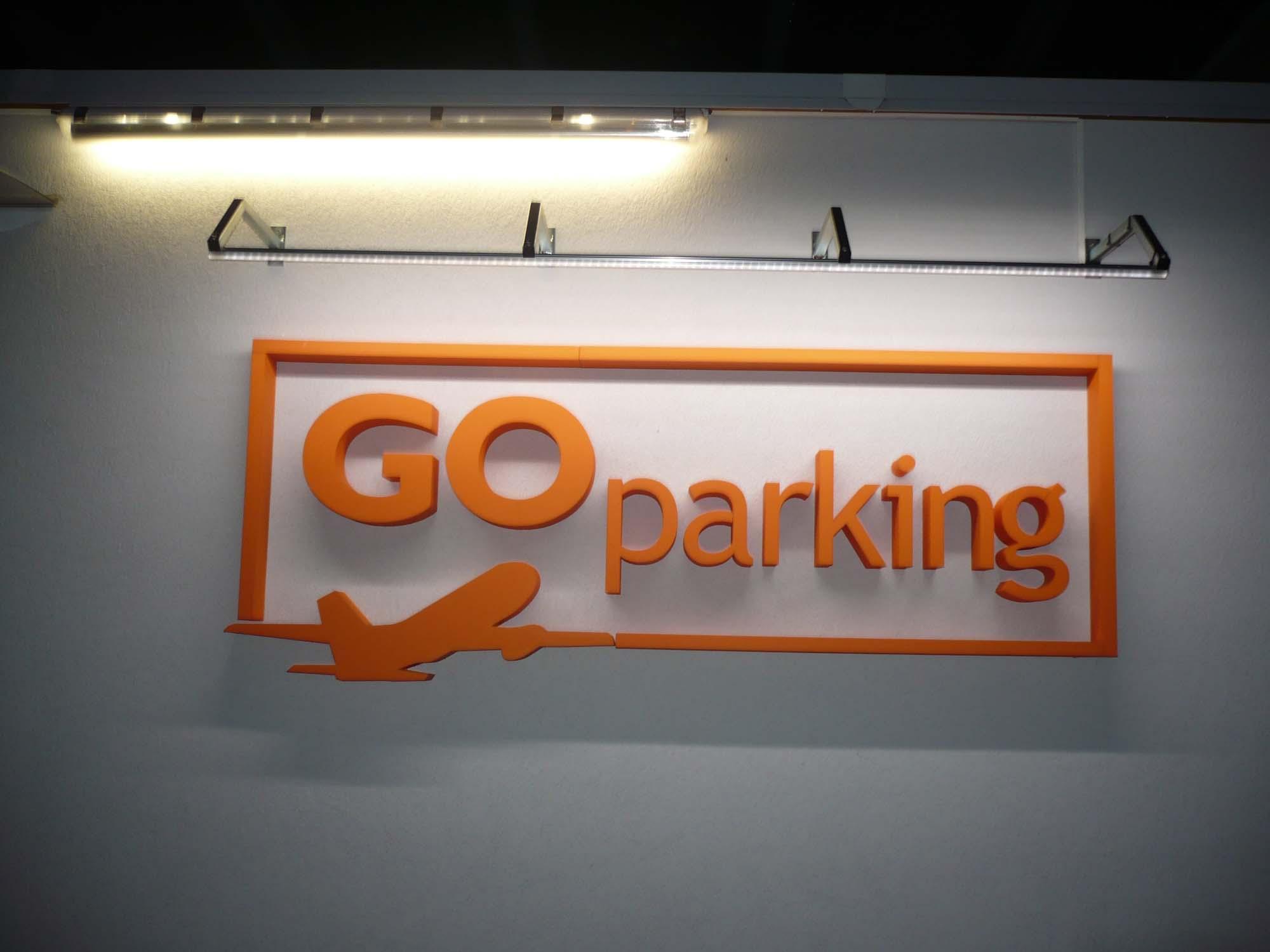 LED osvětlení loga společnosti Go Parking